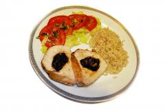Soczysta pierś z indyka w marynacie konopnej -  porcja obiadowa