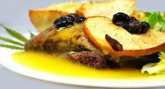 pierś kaczki W sosie pomarańczowo konopnym - porcja