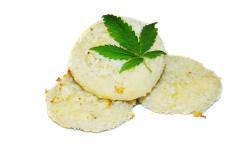 Kruche ciasteczka konopne - kokosowe ciasteczka