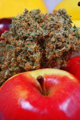 Top Super Silver Haze z czerwonym jabłkiem