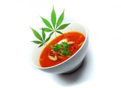 Pomidorowa z makaronem pełnoziarnistym-konopnym